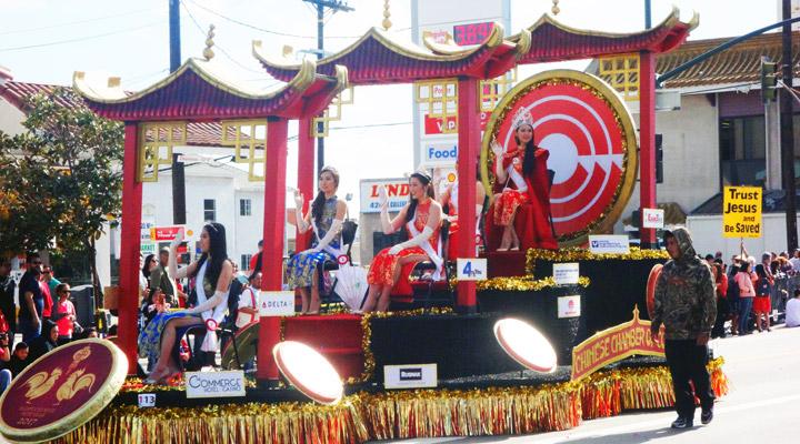 Parade-3.jpg