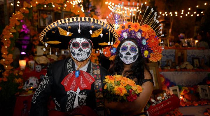 Halloween costumed people 1