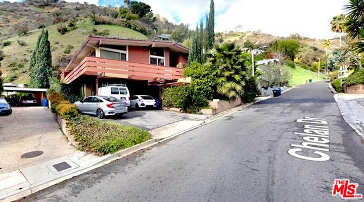 Street_View-720x900.jpg