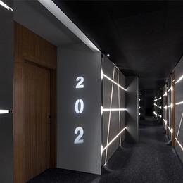 Small 02 hallway 720x400