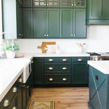 Regular green kitchen